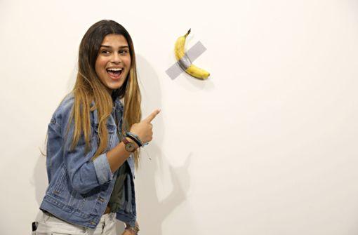 Künstler verspeist 120.000 Dollar teure Banane