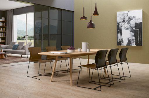 """Wie viele Möbel braucht der Mensch? Der Sattelleder-Stuhl """"Cuoio"""" von Walter Knoll zeigt, wie elegant Verzicht aussehen kann."""