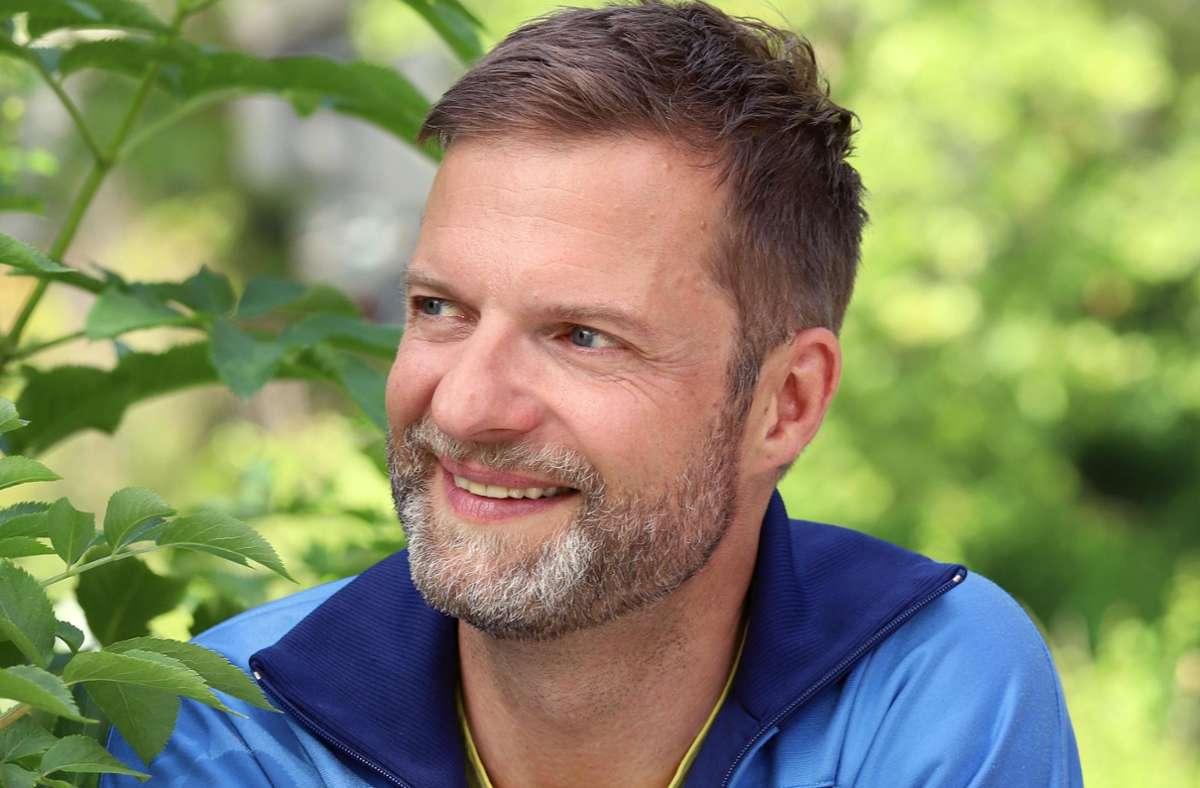 Der Stuttgarter Schauspieler, Regisseur und DJ Benjamin Hille ist einer von 185 Schauspielenden in Deutschland, die mit der Kampagne #actout eine Debatte angestoßen haben. Foto: Sabine Haymann