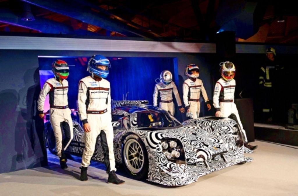 Mit dem 919 Hybrid will Porsche   Le Mans erobern Foto: Porsche
