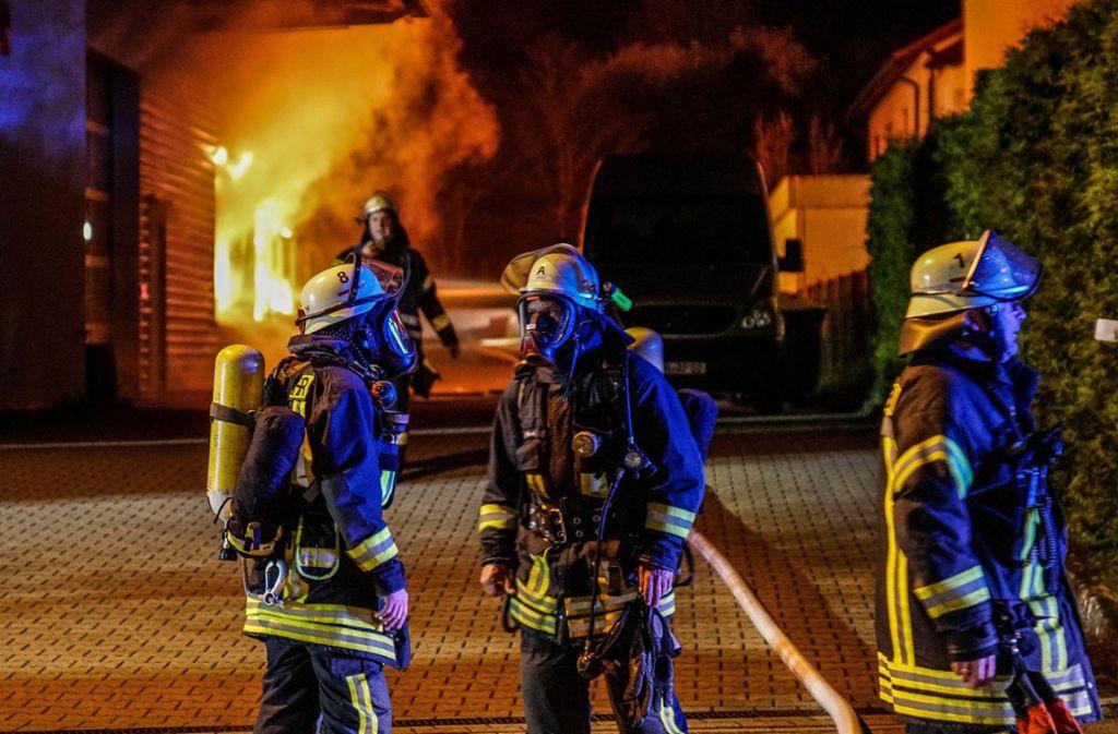 In Schorndorf hat es am Montagabend bei einem Akkuhersteller gebrannt. Foto: SDMG