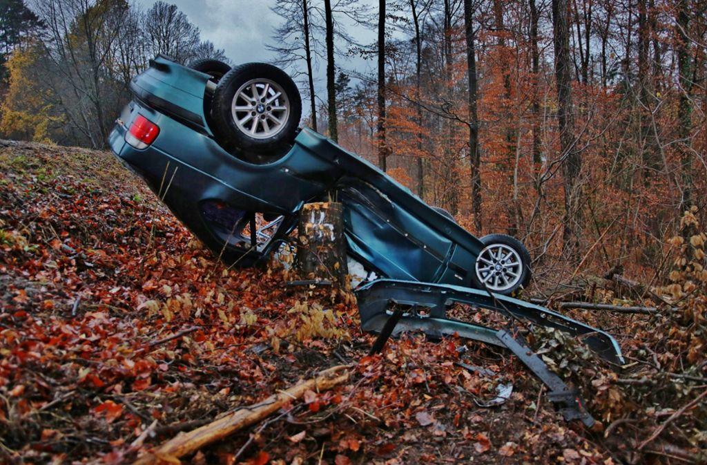 Ein BMW hat sich in Rudersberg überschlagen. Foto: 7aktuell.de/ Lermer