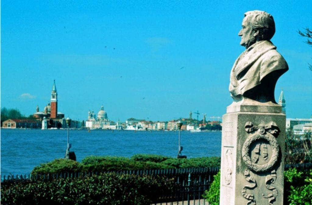 Wagners Büste schaut auf Venedig und seine Lagune. Foto: dapd