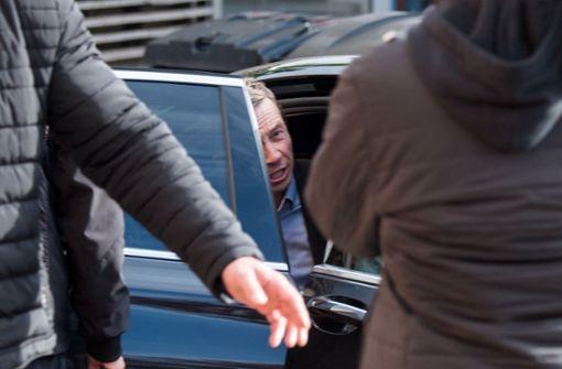 Linke Demonstranten stören – Bernd Lucke muss Vorlesung abbrechen