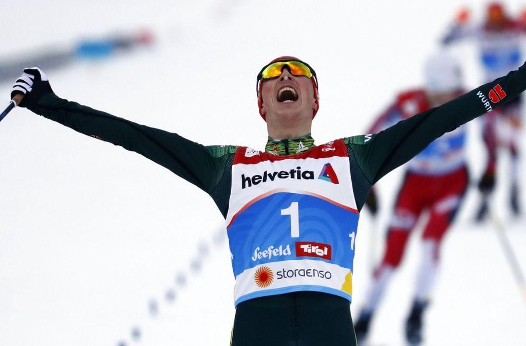 Der Sachse Eric Frenzel siegte vor dem Norweger Jan Schmid und Franz-Josef Rehrl aus Österreich Foto: AP