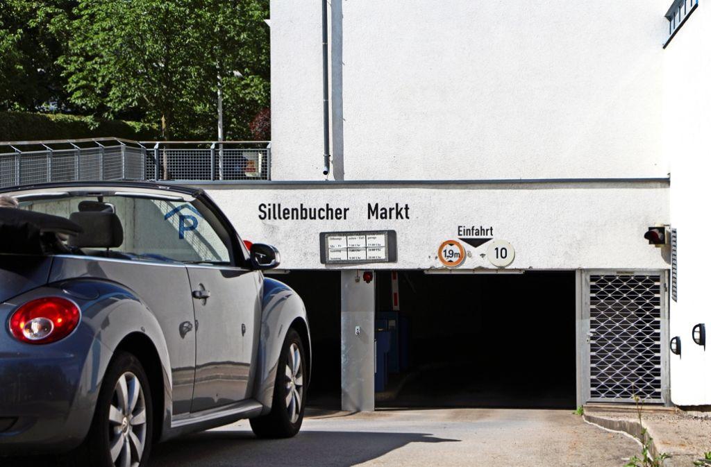 Am Sillenbucher Markt darf nur der parken, der dort einkauft oder zum Arzt geht. Foto: Eveline Blohmer