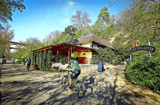 Stadt schließt Gaststätte wegen Felssturz-Gefahr