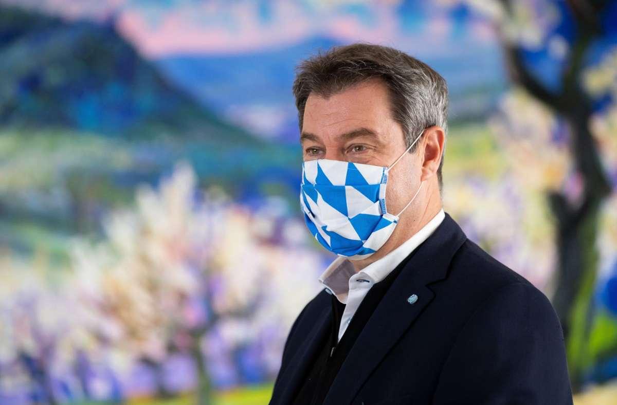 Markus Söder fordert harte Strafen für Maskenverweigerer. Foto: dpa/Sven Hoppe