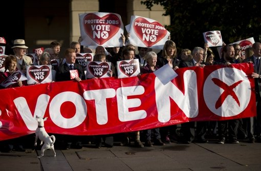 """""""No""""-Anhänger in  letzten Umfragen knapp vorn"""