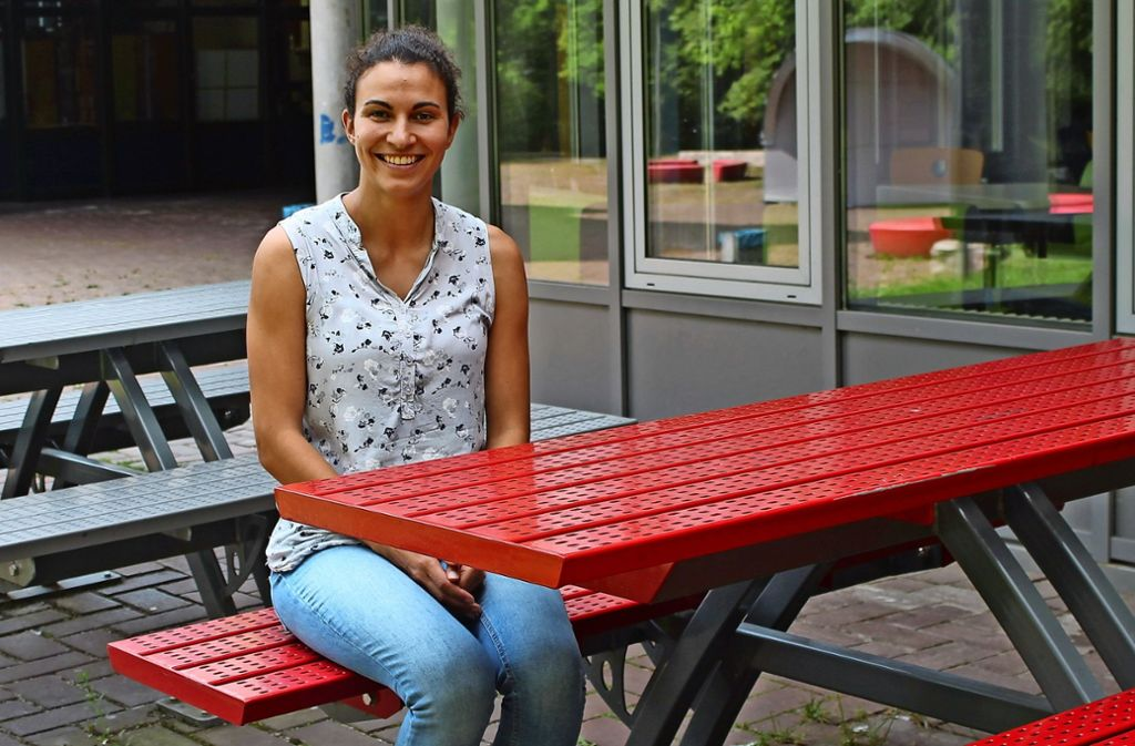 Laura Reichert bietet am Geschwister-Scholl-Gymnasium Jugendlichen sowie deren Eltern Unterstützung bei Problemen an. Foto: Sabine Schwieder