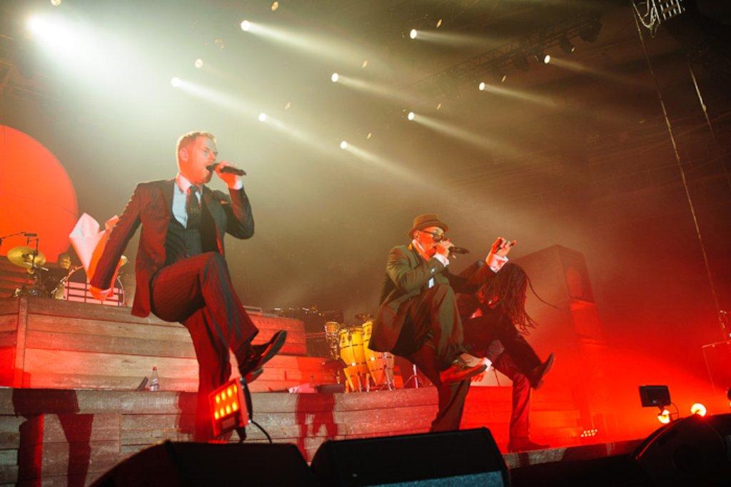 Am Dienstagabend gastierte die Berliner Dancehall-Band Seeed in der Stuttgarter Schleyerhalle - klicken Sie sich durch die Fotostrecke des Konzerts.  Foto: Timo Deiner