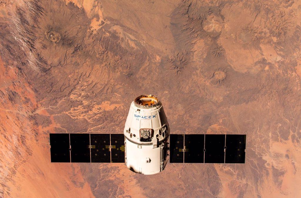 Der Raumtransporter SpaceX Dragon 16 hat die ISS mit Ausrüstung versorgt. Foto: ESA