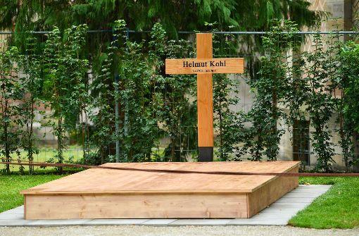Videokamera überwacht Grab von Helmut Kohl