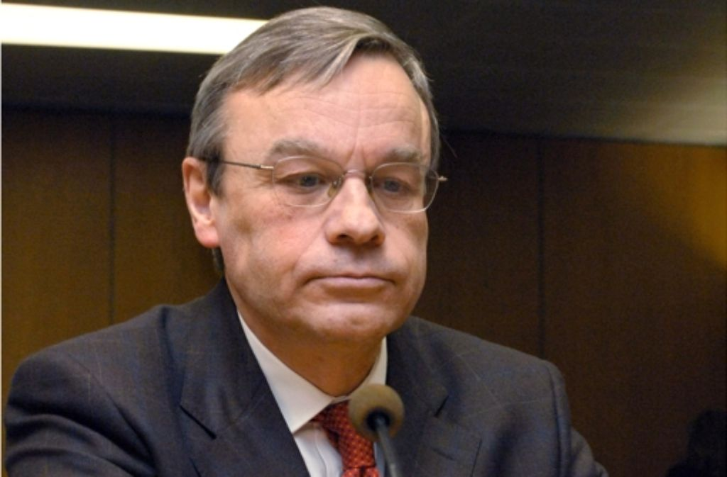 Der ehemalige Oberstaatsanwalt Bernhard Häußler hat am Mittwoch im Wasserwerferprozess ausgesagt. (Archivfoto) Foto: dpa