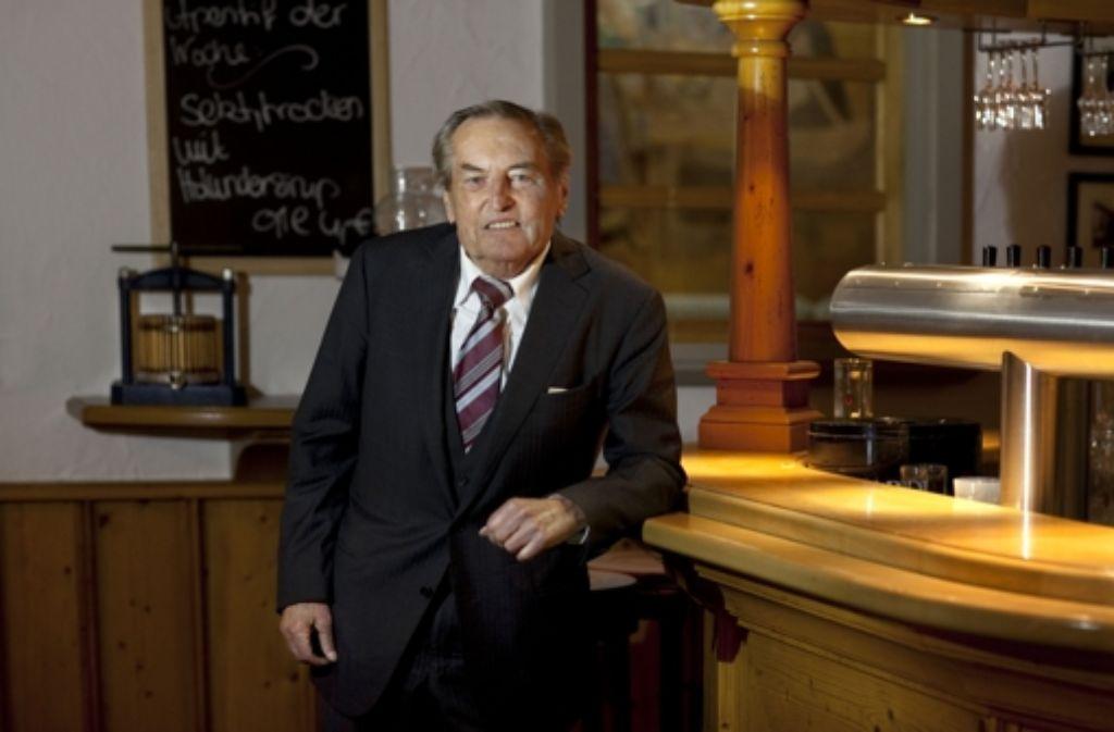 Oskar Beck gratuliert in seiner Kolumne Gerhard Mayer-Vorfelder. Foto: Horst Rudel