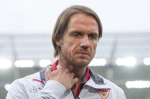 Für VfB-Coach Thomas Schneider könnte es eng werden, wenn er am Wochenende gegen Frankfurt nicht die Wende schafft. Das Auf und Ab des VfB Stuttgart in dieser Saison zeigen wir in der Fotostrecke. Foto: dpa