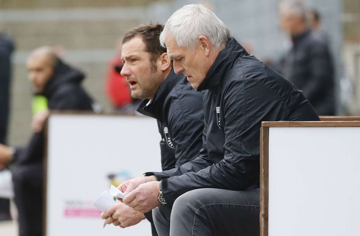 Hans-Jürgen Boysen (re.) nimmt den Neuaufbau in der Regionalliga in Angriff. Markus Lang bleibt im Trainerteam der ersten Mannschaft und ist auch für die U19 der SG Sonnenhof Großaspach verantwortlich. Foto: Baumann