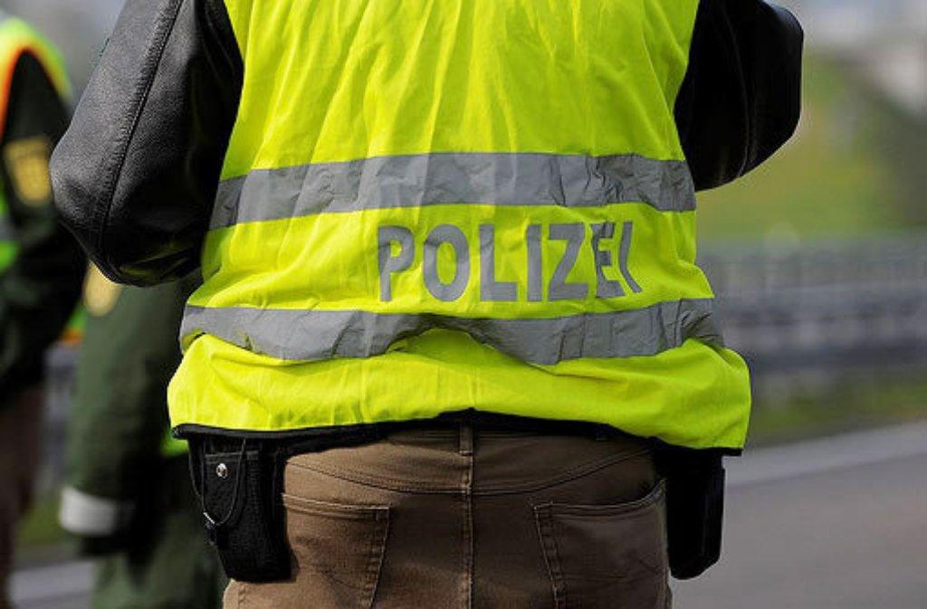 Der Bundespolizei ist bei einer Razzia in Stuttgart, Berlin und Hamburg ein Schlag gegen eine Fälscherbande gelungen. Insgesamt sitzen nach Auskunft der Staatsanwaltschaft Stuttgart fünf Tatverdächtige in Untersuchungshaft. Foto: 7aktuell.de/Symbolbild
