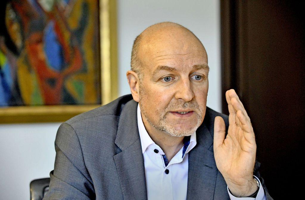 Staatssekretär Rolf Bösinger ist für Steuerpolitik zuständig. Mit Olaf Scholz arbeitet er seit vielen Jahren zusammen. Foto: LIPICOM