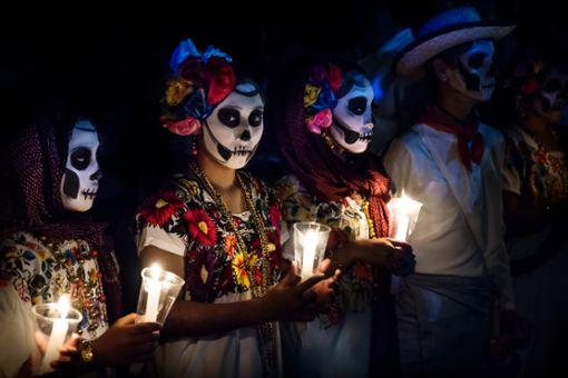 Verkleidungen zum Tag der Toten in Mexiko.