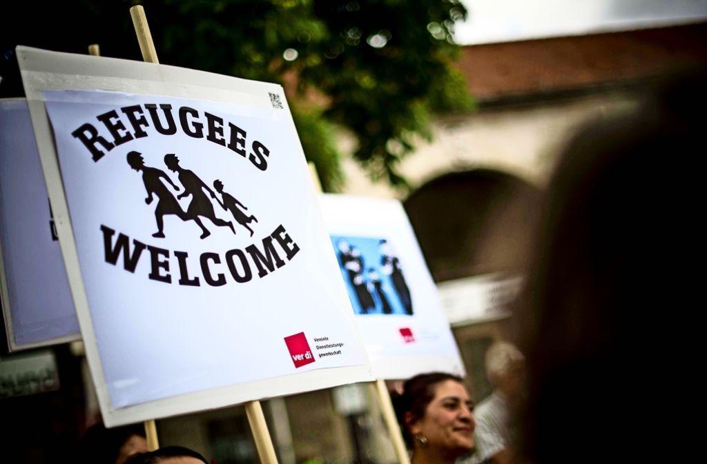 Refugees welcome, Flüchtlinge sind willkommen: Für etliche Ehrenamtliche versteht sich das von selbst. Foto: Lichtgut/Max Kovalenko