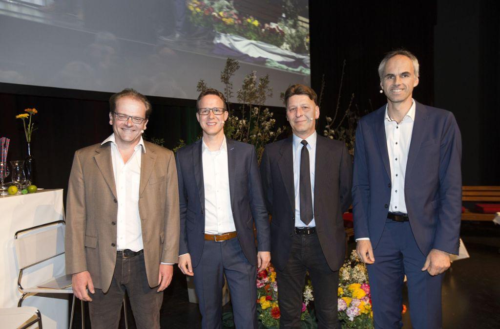 Die Kandidatenriege: Martin Böhm, Johannes Fridrich, Jochen Wahler und Matthias Ruckh (von links) wollen Oberbürgermeister von Nürtingen werden. Foto: Horst Rudel