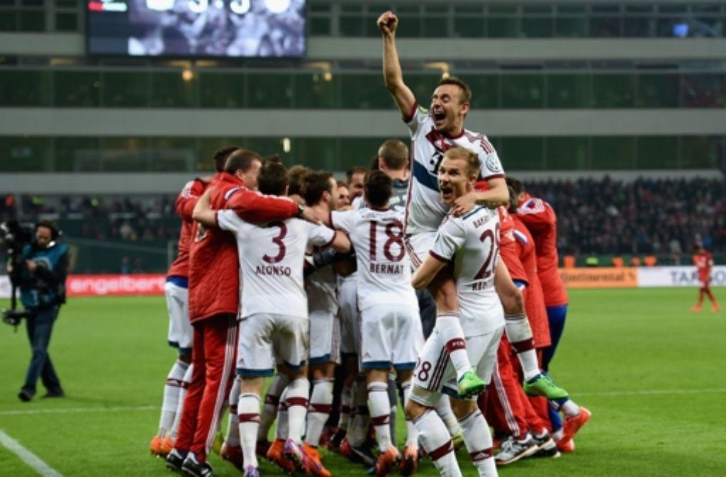Die Bayern gewinnen im Elfmeterschießen. Foto: Bongarts