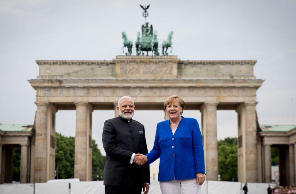 Im Mai 2017 fanden die deutsch-indischen Regierungskonsultationen in Berlin statt – nun wird Indiens Premier Narendra Modi Bundeskanzlerin Angela Merkel in Neu-Delhi begrüßen. Foto: dpa/Kay Nietfeld