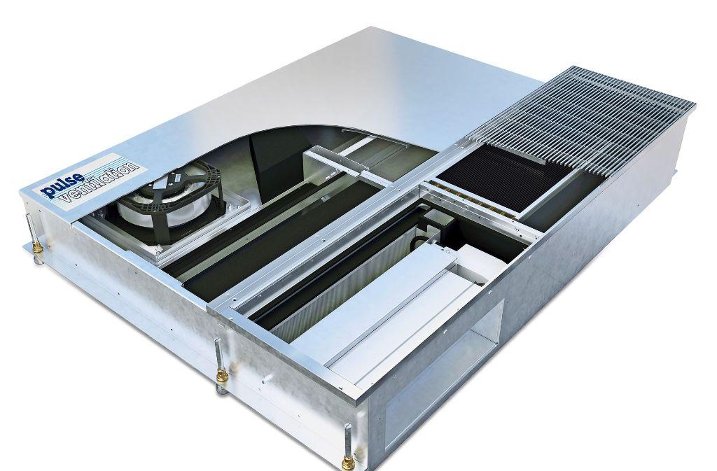 Durch die Stellung der Klappen in dem Gerät der Stuttgarter  LTG  wird geregelt, ob Luft angesaugt oder aus einem Raum herausgepustet wird. Das Gerät ist im Boden eingebaut,  sichtbar ist nur das Gitter, durch das die Luft strömt. Foto: LTG