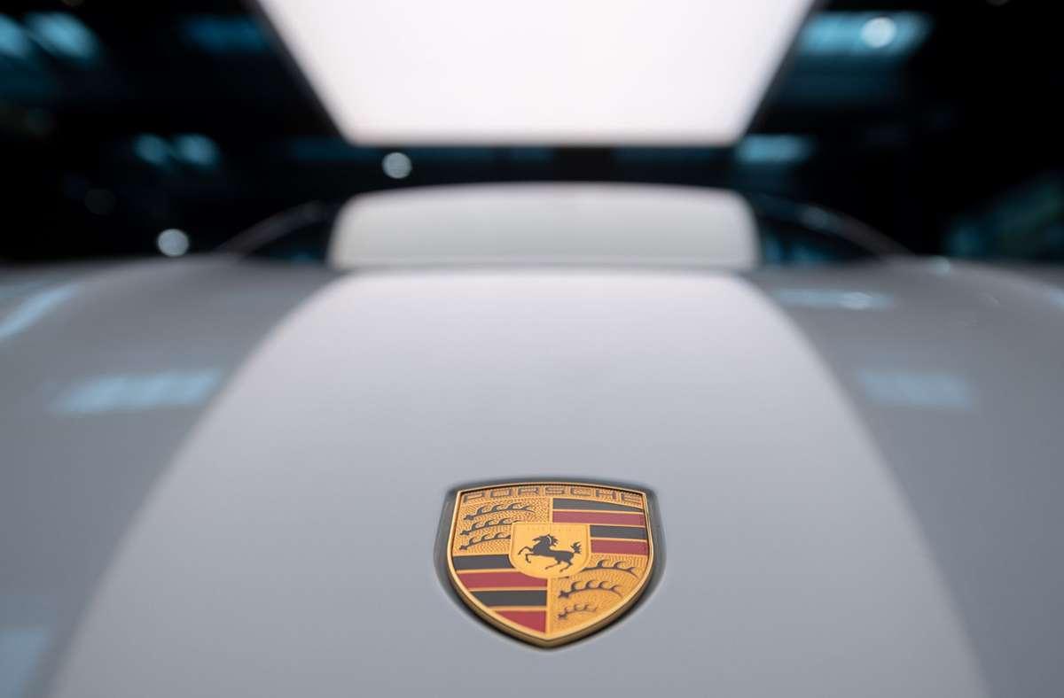 Das Stuttgarter Unternehmen brachte zwischen Januar und Ende Juni insgesamt 153656 Fahrzeuge an seine Kunden - so viele wie noch nie in diesem Zeitraum. Foto: dpa/Sebastian Gollnow