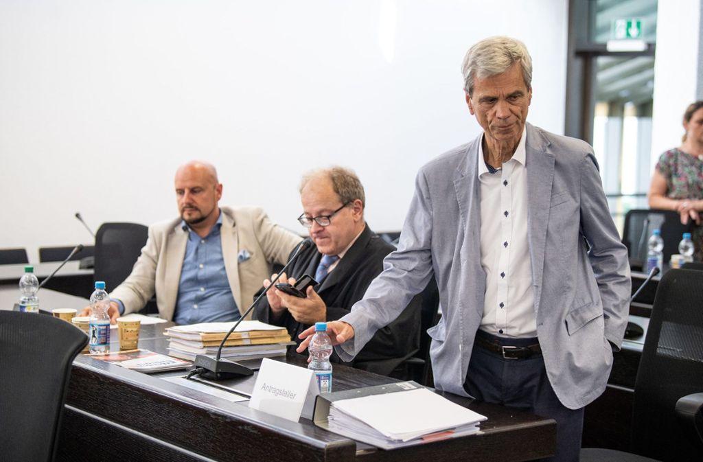 Die AfD-Politiker Stefan Räpple (links) und Wolfgang Gedeon (rechts) wehren sich gegen ihren Landtagsausschluss. Foto: dpa