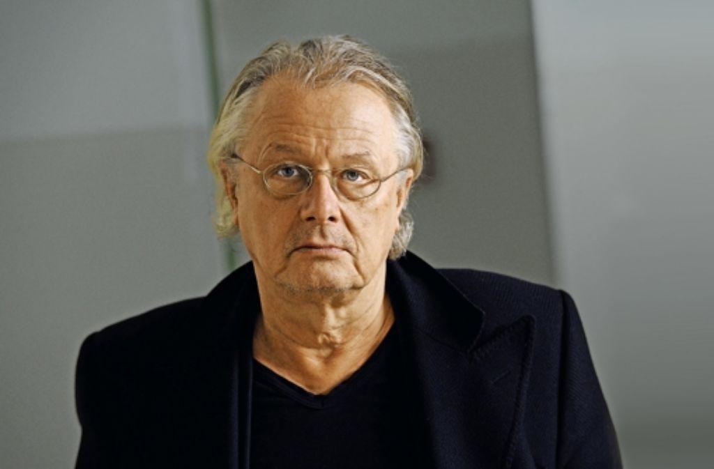 Jetzt gibt er sein Stuttgart-Debüt: der Regisseur Frank Castorf, noch bis 2017 auch Intendant der Berliner Volksbühne. Foto: Theater