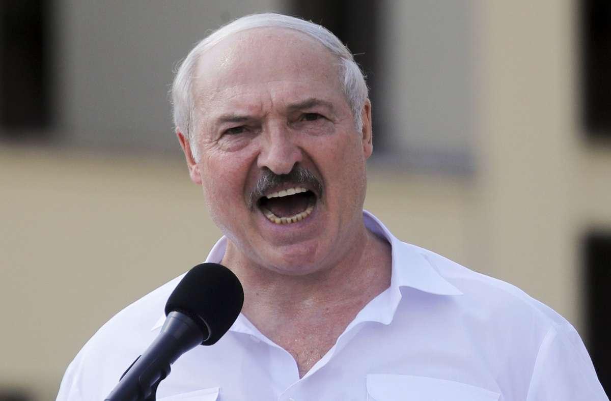 Nach der Wahl, die die EU nicht anerkennt, ist der belarussische Präsident Alexander Lukaschenko massiv unter Druck geraten. (Archivbild) Foto: dpa/Dmitri Lovetsky