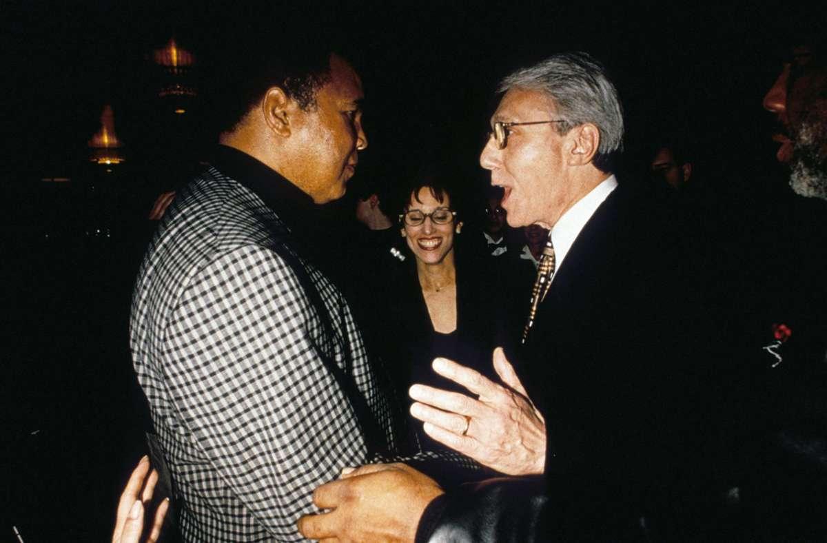 Leon Gast und Muhammad Ali im Jahr 1996. Foto: imago images/Everett Collection