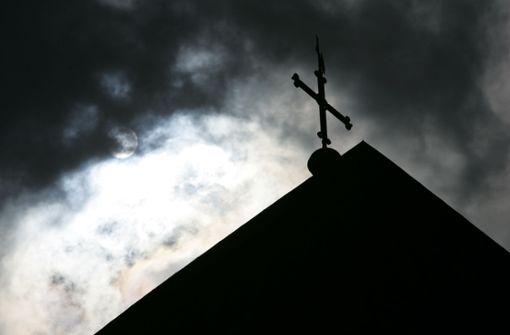 Kirche zeigt Priester an