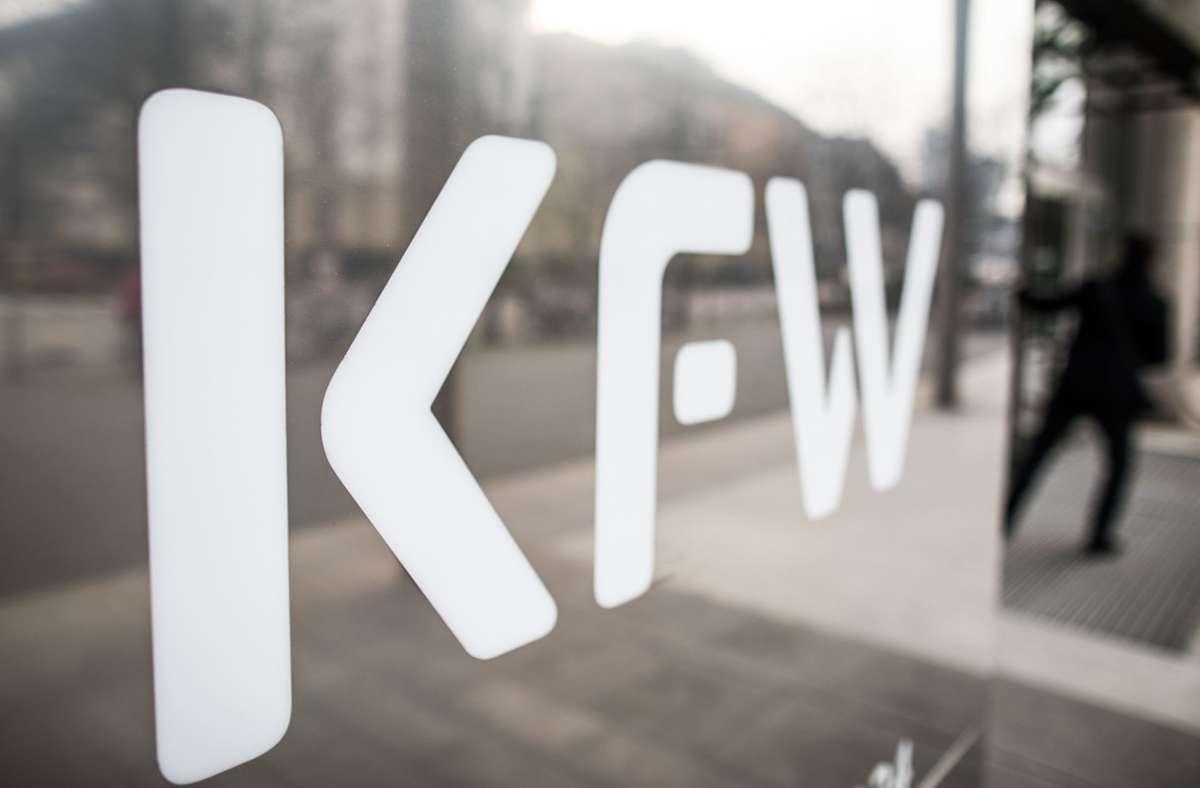 Über die Aufbaubank KfW hat der Bund 300 Millionen Euro in Curevac investiert. (Symbolbild) Foto: dpa/Frank Rumpenhorst