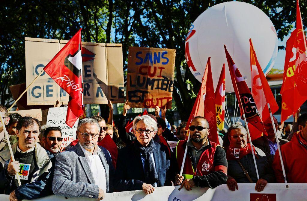 Die Beamtengewerkschaften fordern höhere Löhne und Stellengarantien. Foto: AP