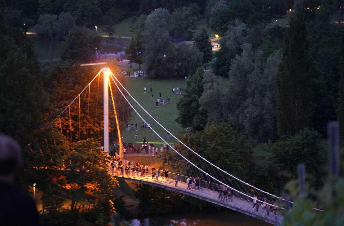 Die Partys am Seeufer sollen mit einem Verbot unterbunden werden. Foto: Fotoagentur-Stuttgart/Andreas Rosar (Symbolbild)