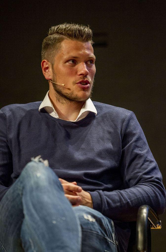 Daniel Ginczek hofft auf den Aufstieg des VfB Stuttgart. Foto: Lichtgut/Leif Piechowski
