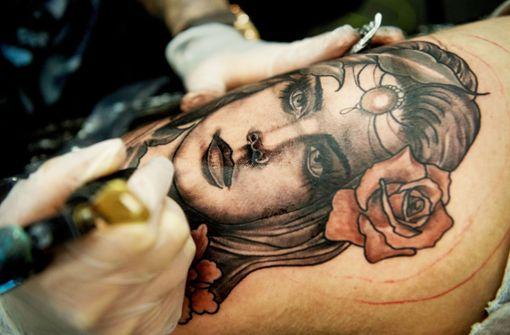 Was Tattoos über Tote verraten