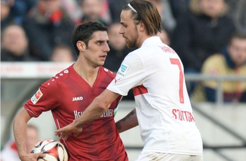 VfB-Spieler Martin Harnik (rechts) und der Hannoveraner Lars Stindl wurden für zwei Spiele gesperrt. Foto: Bongarts