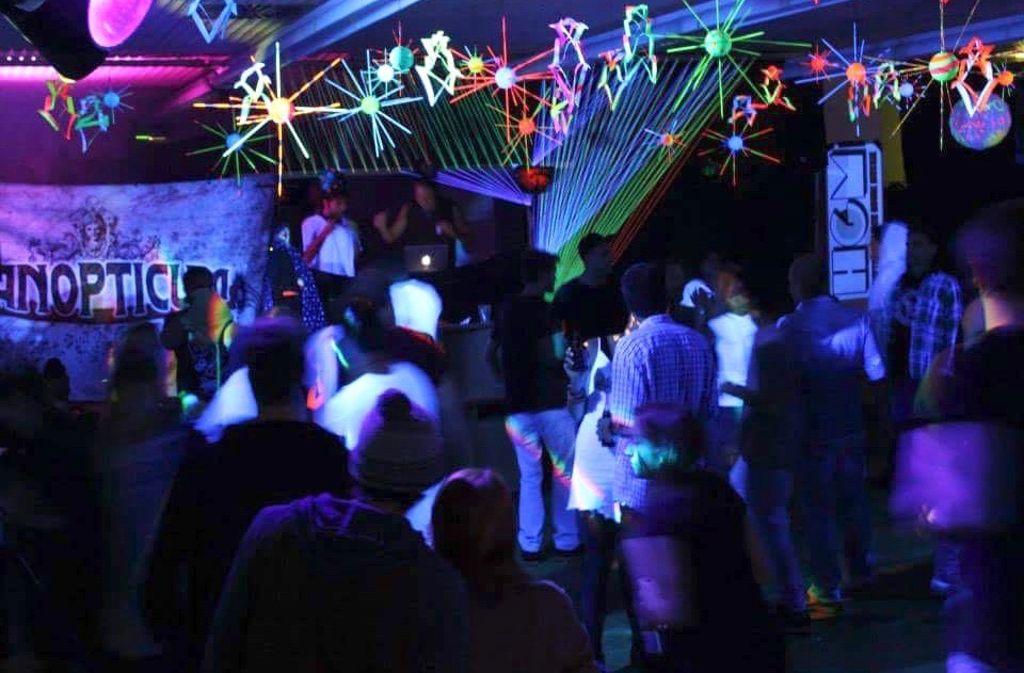 Bei den Panopticum-Partys treffen ausgefallene Deko und Lichttechnik auf elektronische Musik. Foto: Panopticum