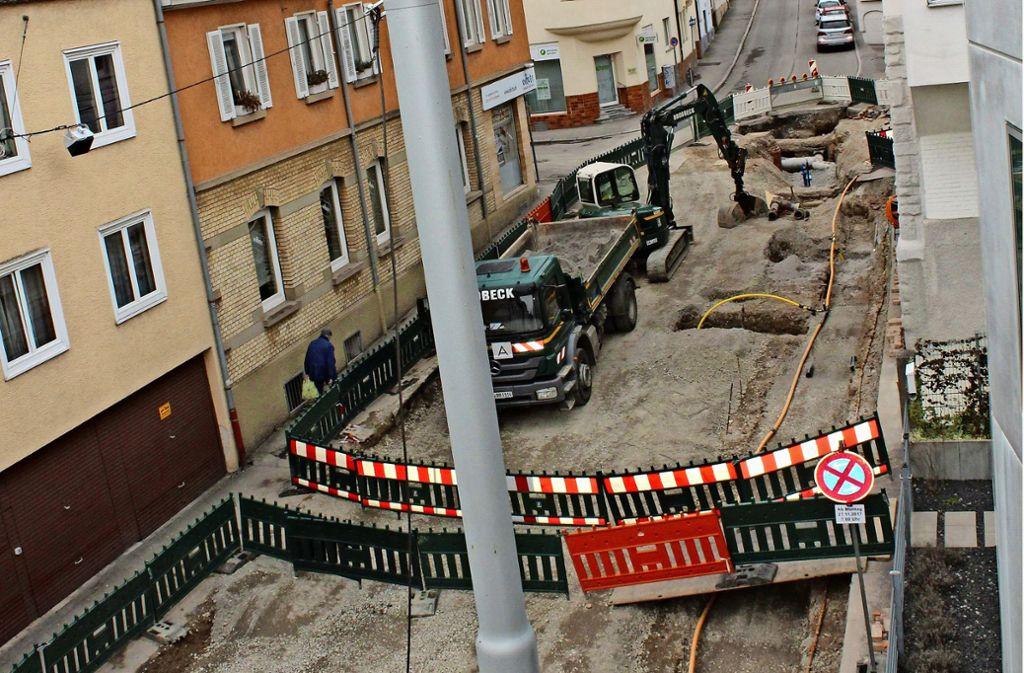 Ende April soll diese Baustelle an die Karl-Pfaff-Straße weiter wandern. Foto: Tilman Baur