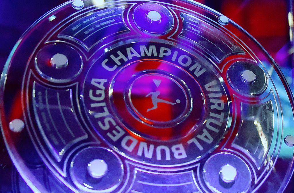 Werder Bremen ist VBL-Champion. Um diese Schale streiten sich nun noch die Anwärter um den deutschen Einzel-Meistertitel. Foto: imago images / Eibner/Daniel Lakomski
