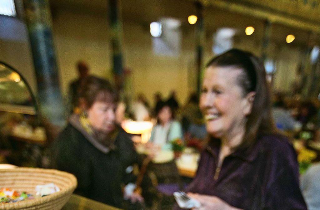 Das Essen in der Stadtkirche bringt die unterschiedlichsten Menschen aus der Stadt an einen Tisch. Foto: /HorstRudel