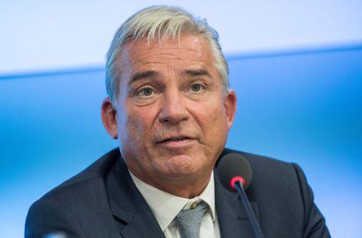 Thomas Strobl fordert höhere Strafen