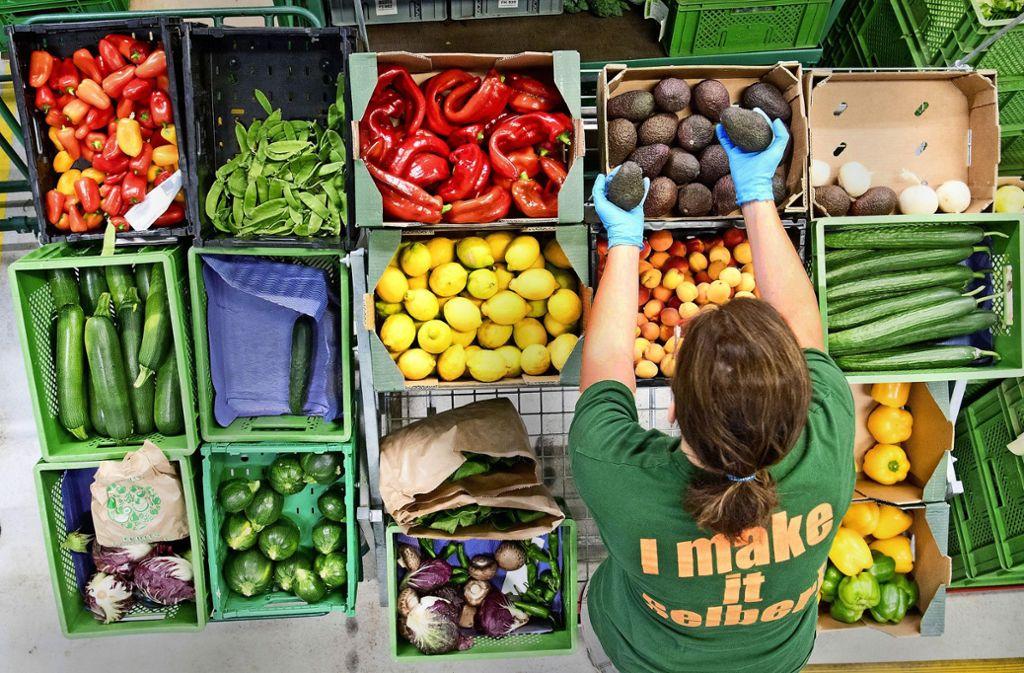 Zum Kochen sollte man möglichst Frisches kaufen, auf   Light-Produkte, Süßstoffe und  Geschmacksverstärker verzichten. Foto: dpa