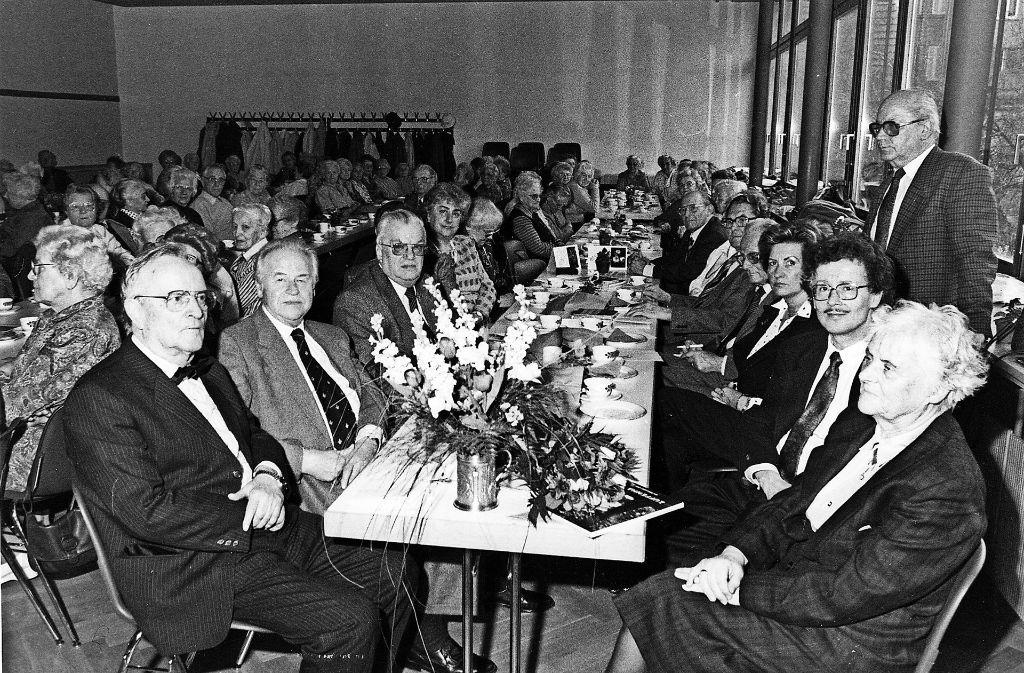 Gemütliches Beisammensein: Das Bild zeigt eine ACZ-Veranstaltung aus den 1980er Jahren im Dietrich-Bonhoeffer-Haus. Foto: privat