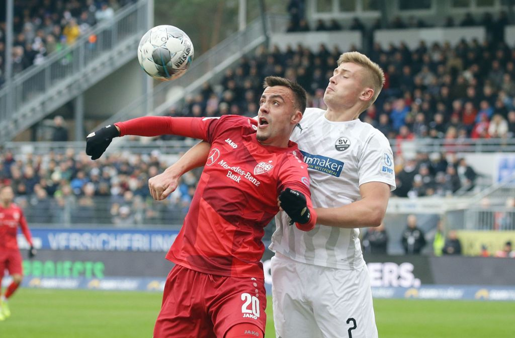 Beim SV Sandhausen hat der VfB Stuttgart mit Philipp Förster (links)  1:2 verloren. Unsere Redaktion hat die Leistungen der VfB-Profis wie folgt bewertet. Foto: Pressefoto Baumann/Hansjürgen Britsch