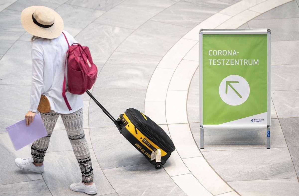Das RKI registriert vermehrt Reiserückkehrer, die sich mit dem Coronavirus infiziert haben. Foto: dpa/Sebastian Gollnow